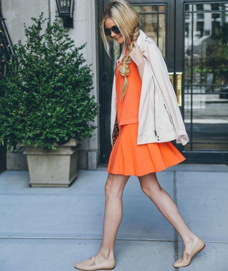 color naranja vestido corto
