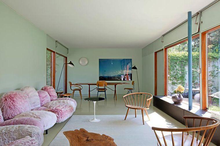 combinación de colores menta muebles rosa