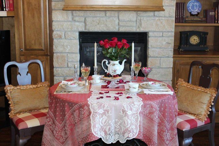 decoración romántica cena acogedora