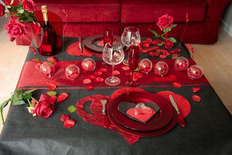 decoración romántica negro rojo