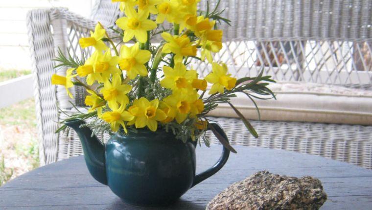 ideas para decorar con flores narcisos