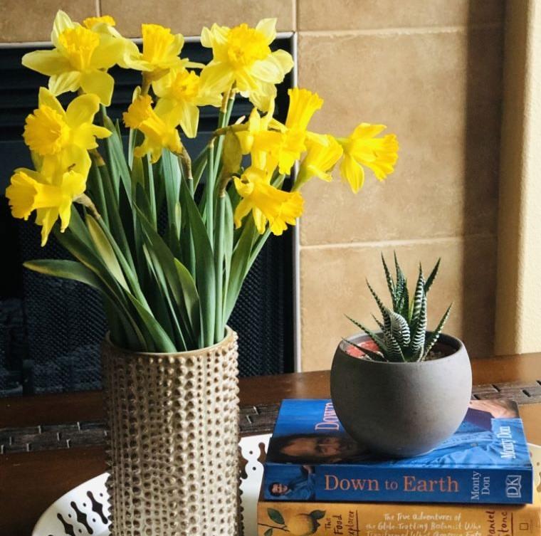 ideas para decorar con ramo narcisos