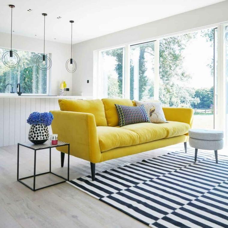 muebles-colores-llamativos-sofa-ideas