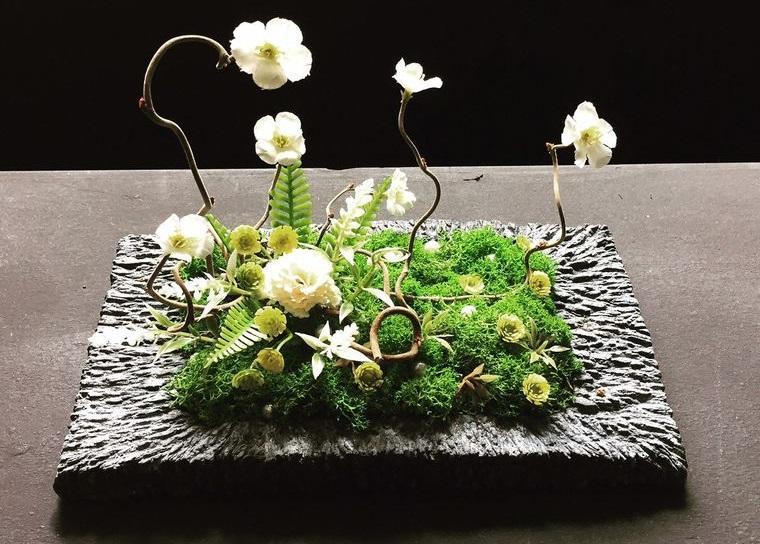 musgo para decorar con flores primavera