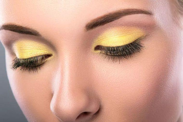 primavera 2021 ojos sombra amarillo