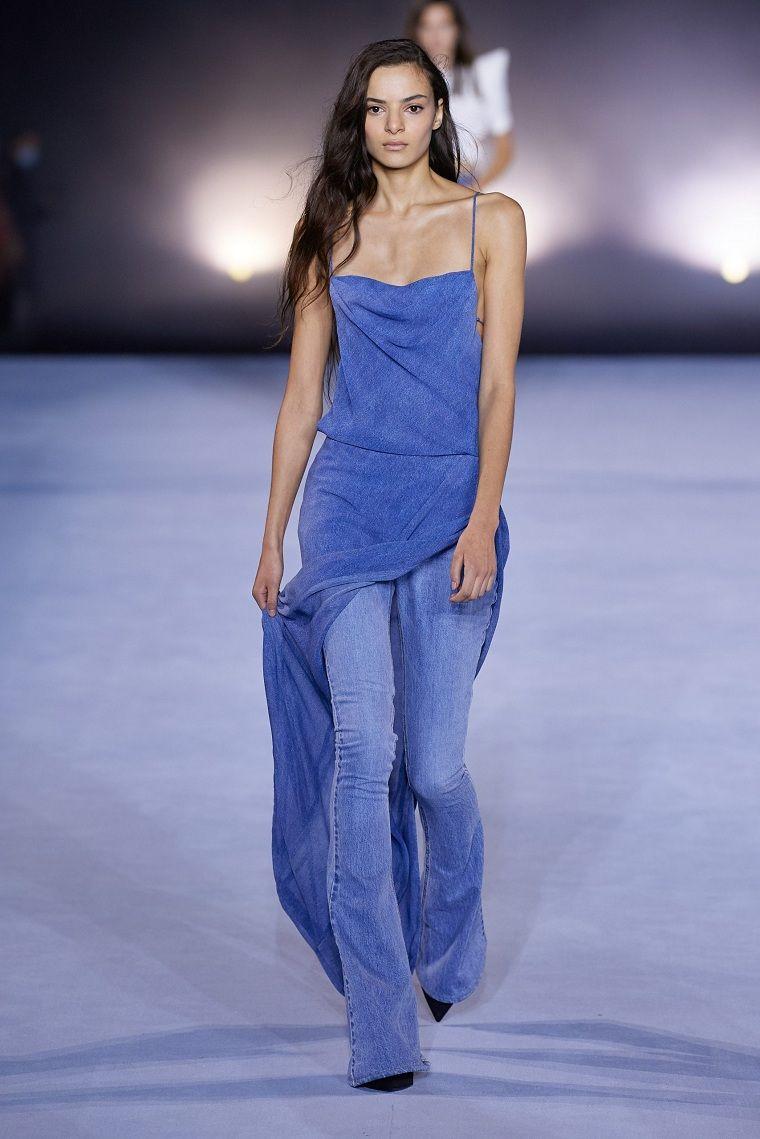 tela vaquera-pantalon-vestido-Balmain-2021