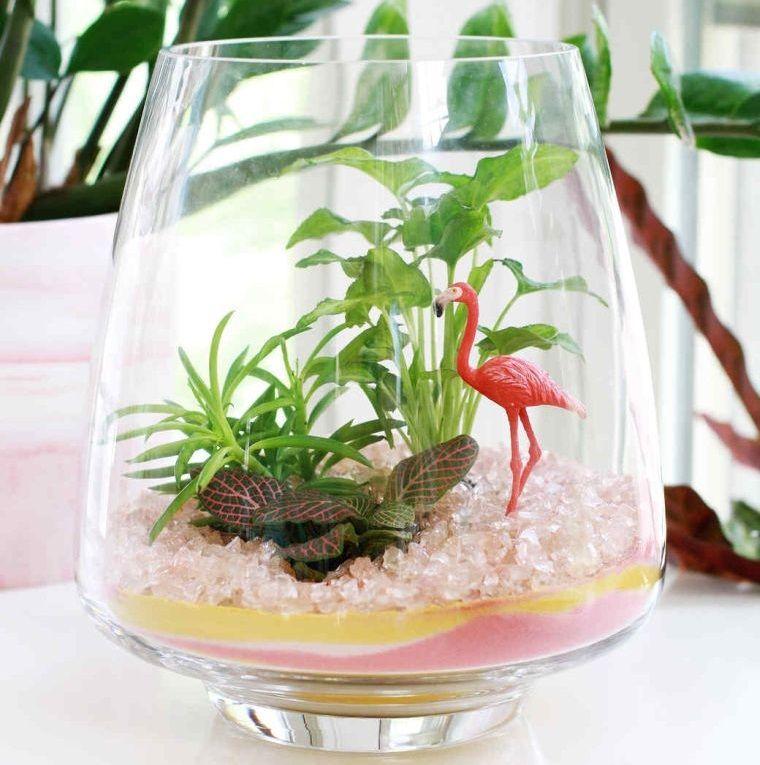 terrarios de cristal con accesorios decorativos