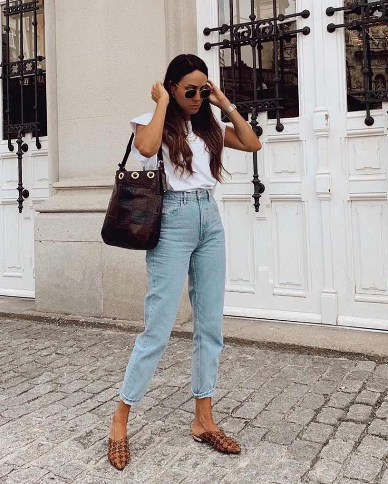 vaqueros-camiseta-blanca-estilo-clasico