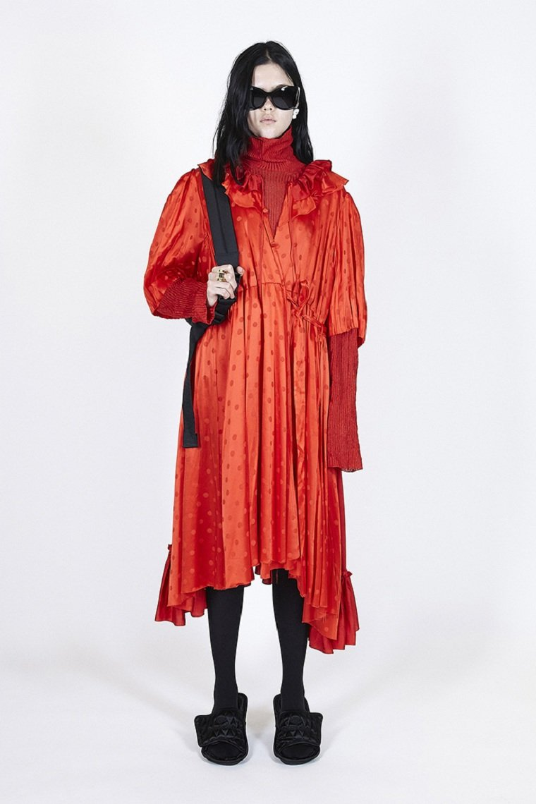 Balenciaga-2021-primavera-vestido