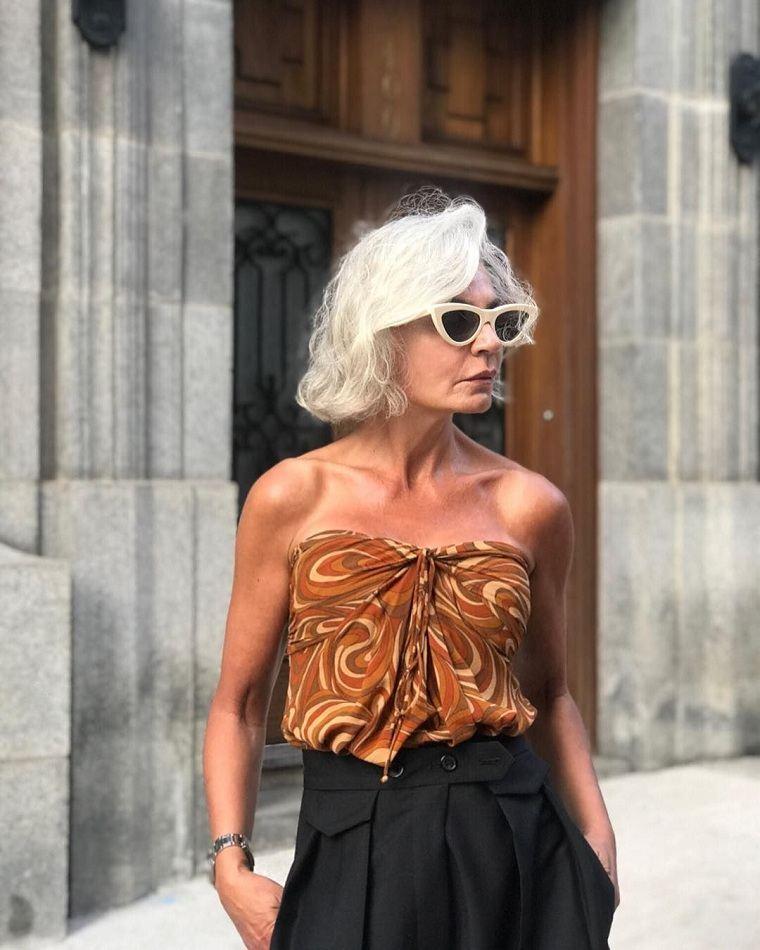 Cortes de pelo para mujeres de 50 años-color blanco
