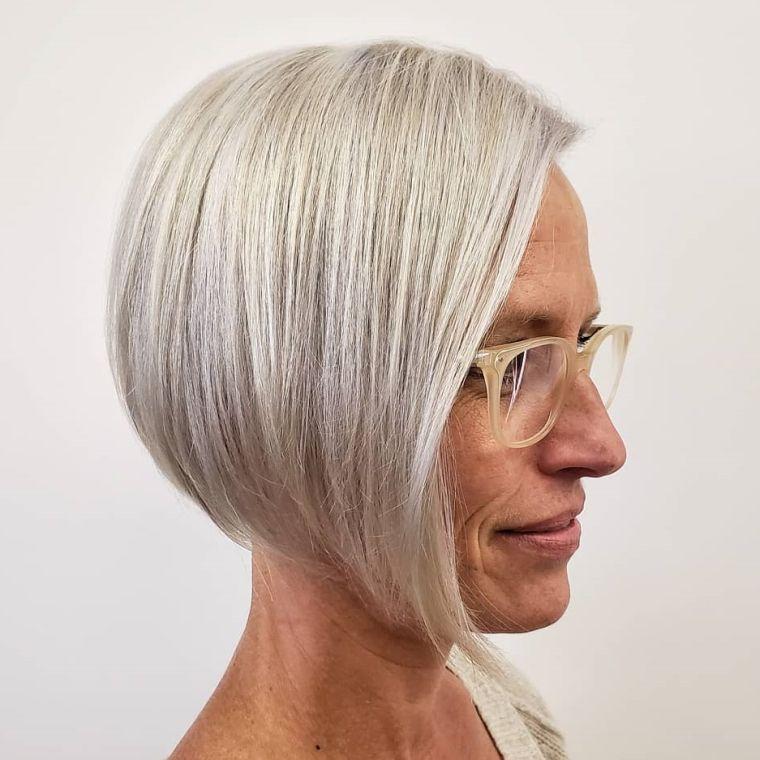 Cortes-de-pelo-para-mujeres-de-50-anos-corto