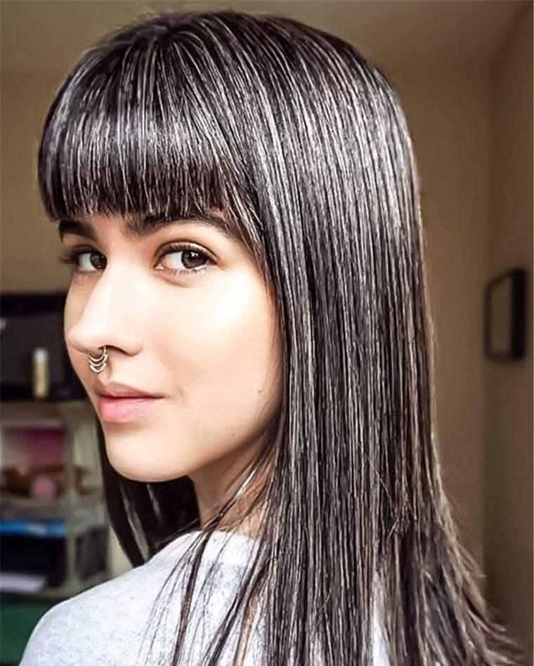 Mechas-grises-en-cabello-oscuro-cabello-negro
