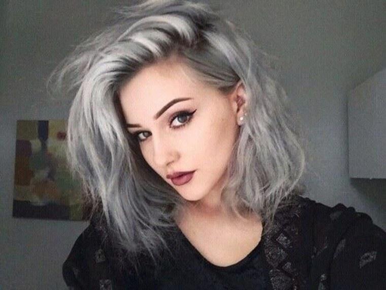 Mechas grises en cabello oscuro diy