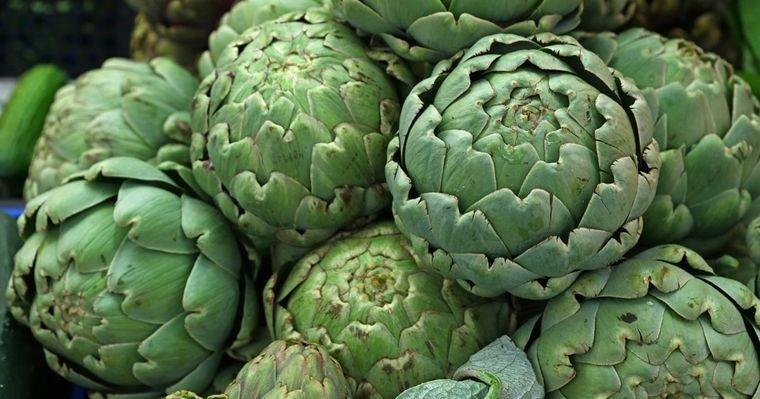 alimentos que limpian el hígado alcachofas