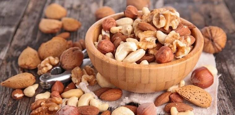 alimentos que limpian el hígado frutos secos
