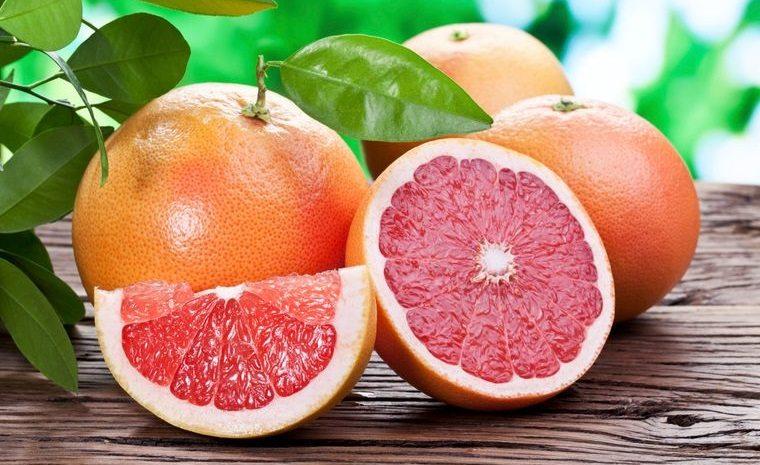alimentos que limpian el hígado pomelo