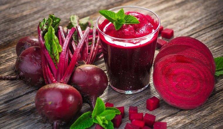 alimentos que limpian el hígado remolacha