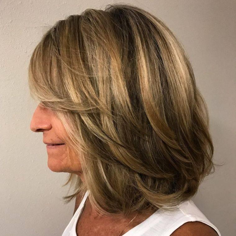 cabello-color-castano-mujer-50-anos