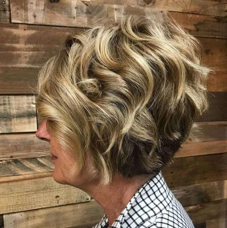 cabello-rizado-mujer-50-anos