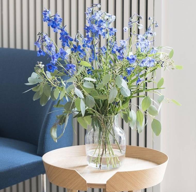 estilo escandinavo arreglo flores azules