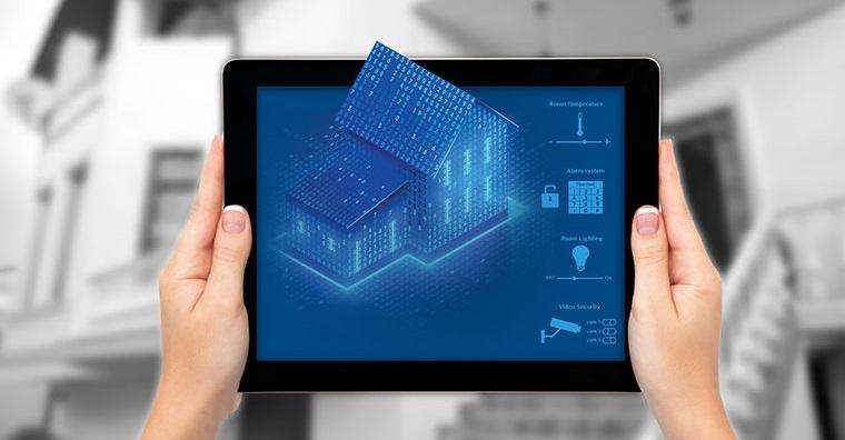 Dispositivos imprescindibles para convertir un hogar en una casa inteligente