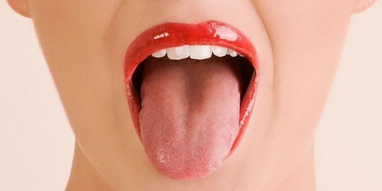 mal aliento-por-la-mañana-lengua