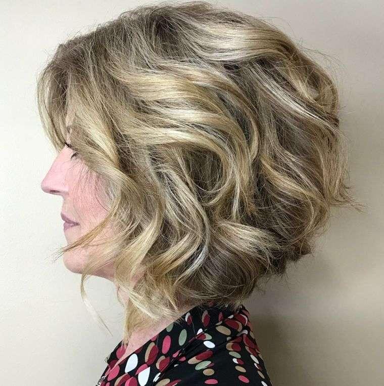 mujer-cabello-cortes-2021