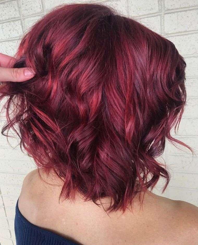mujeres mayores cabello rojo burdeo