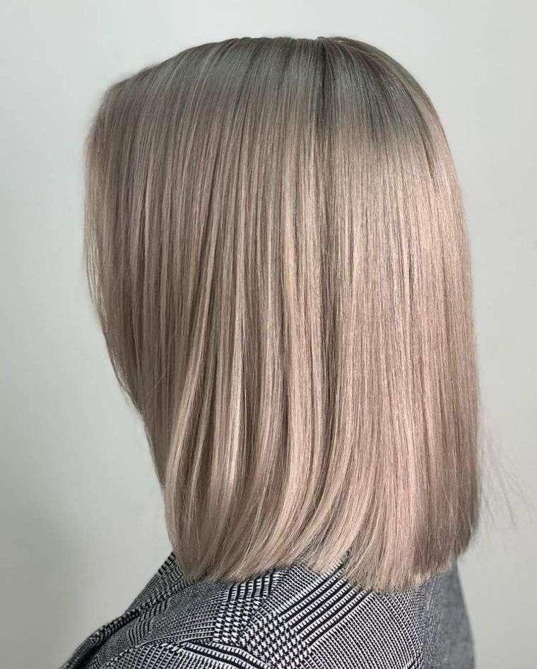 mujeres mayores cabello rubio beige