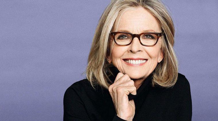 mujeres mayores de 50 peinados con gafas Diane Keaton