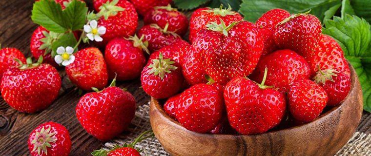 caída del cabello en mujeres alimentacion fresas