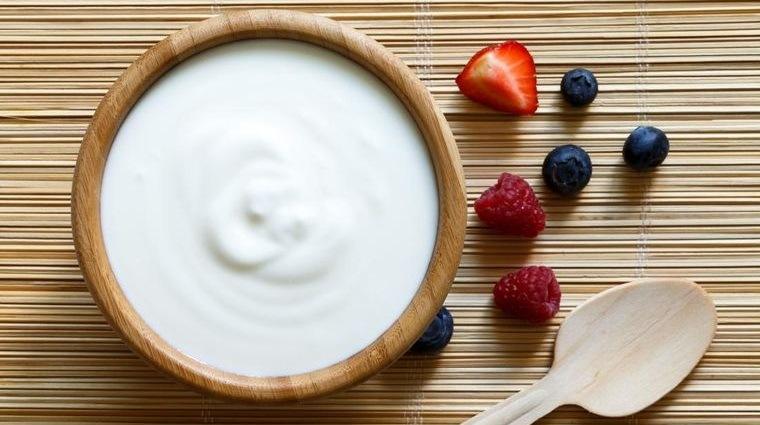 caída del cabello en mujeres alimentacion yogur