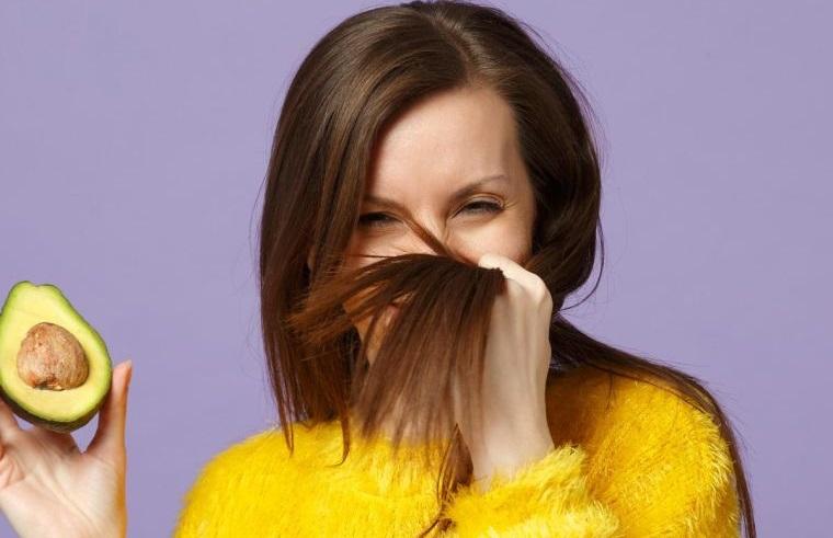 caída del cabello en mujeres mascarilla aguacate