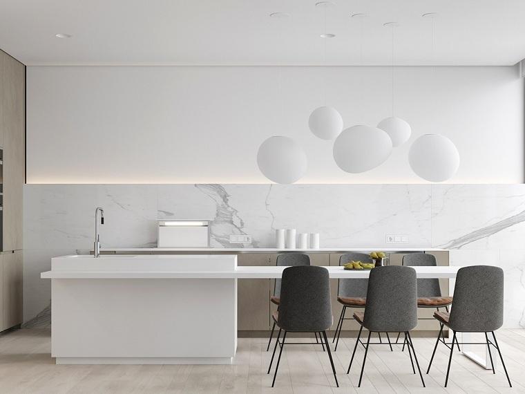 cocina-blanca-sillas-color-gris