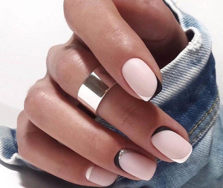 Color de uñas 2021 verano-tendencias-beige