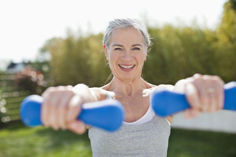 consejos para adelgazar anos-50-hacer-ejercicio