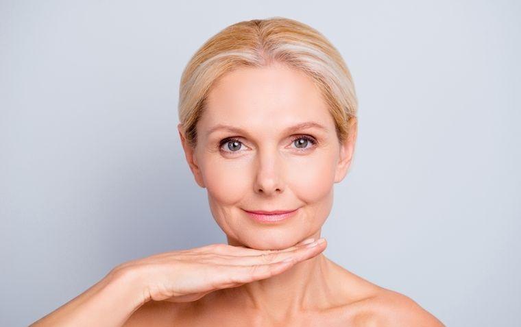 cuidado facial para mujeres de 50