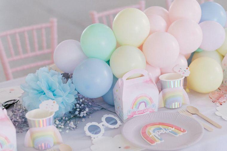 cumpleaños decoracion colores arcoiris