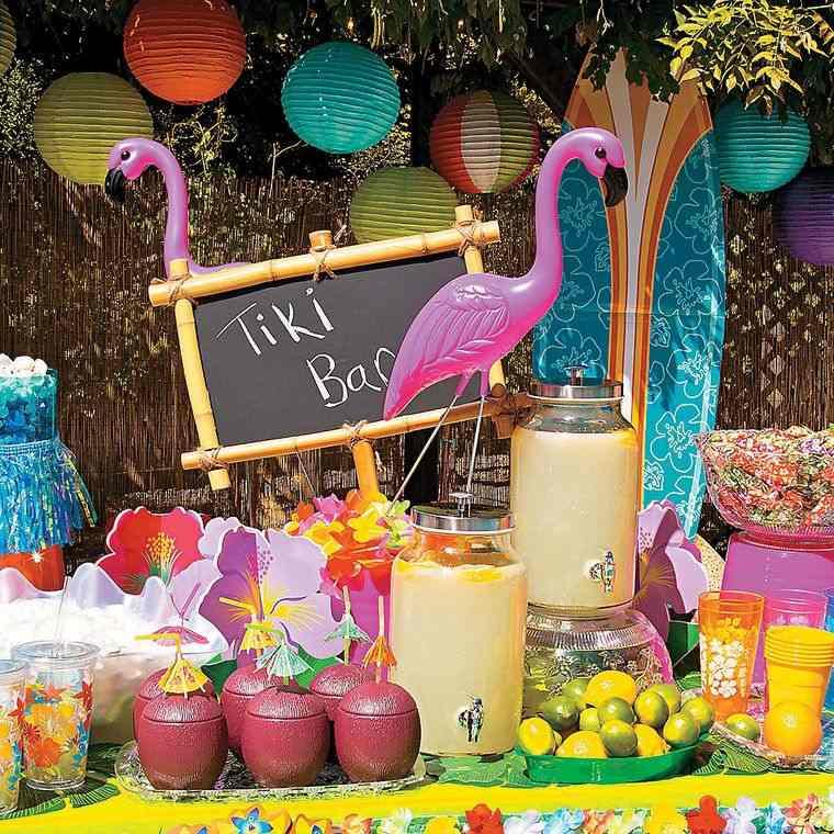 cumpleaños decoracion con bebidas tropicales