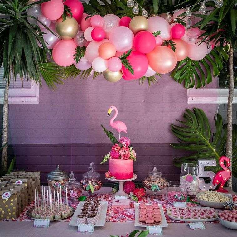 cumpleaños decoracion con flamingos