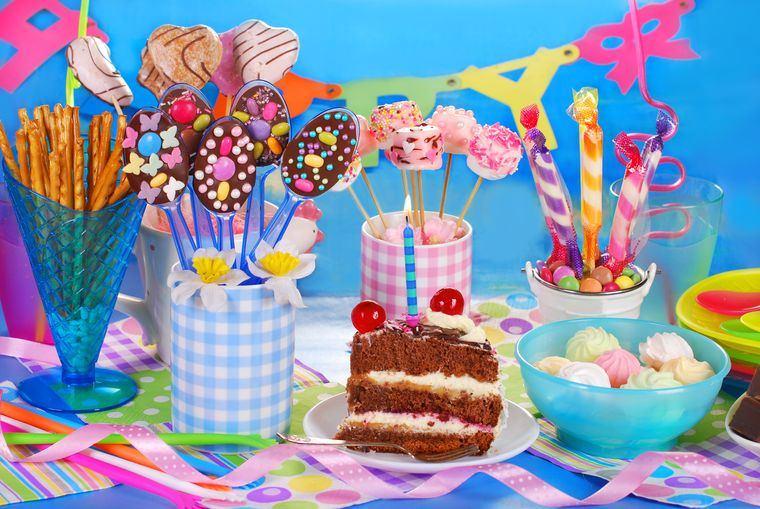 cumpleaños decoracion mesa divertida