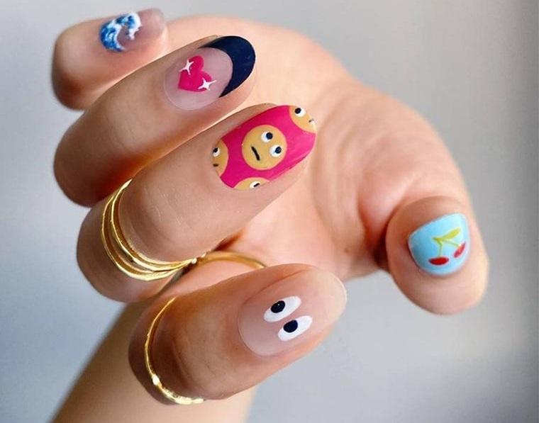 diseño independiente uñas combinadas