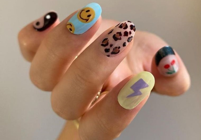 diseño independiente uñas con arte