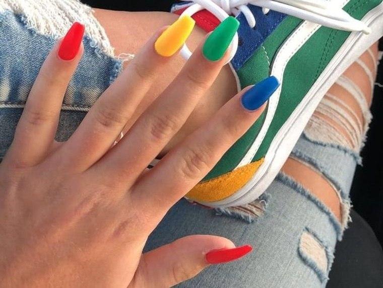 diseño independiente uñas con estilo