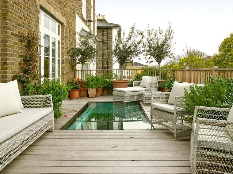 ideas-anadir-agua-jardin-pequeno-opciones