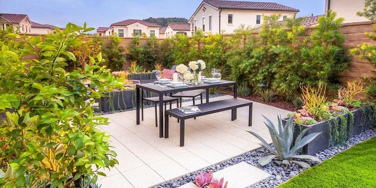 jardines-pequenos-con-encanto-comedor-aire-libre
