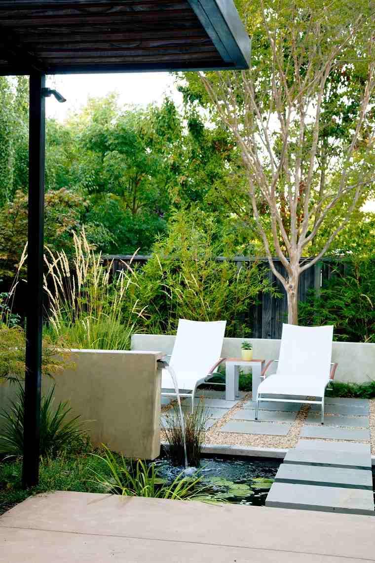 jardines-pequenos-con-encanto-ideas-fuente