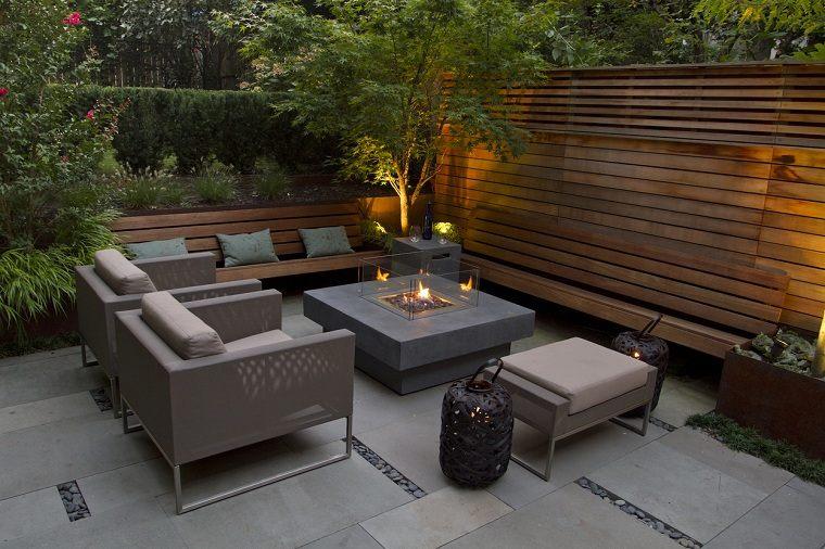 jardines-pequenos-con-encanto-muebles-cómodos