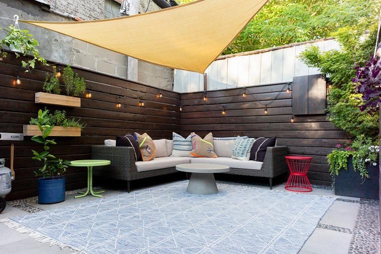 jardines-pequenos-con-encanto-paredes-ideas