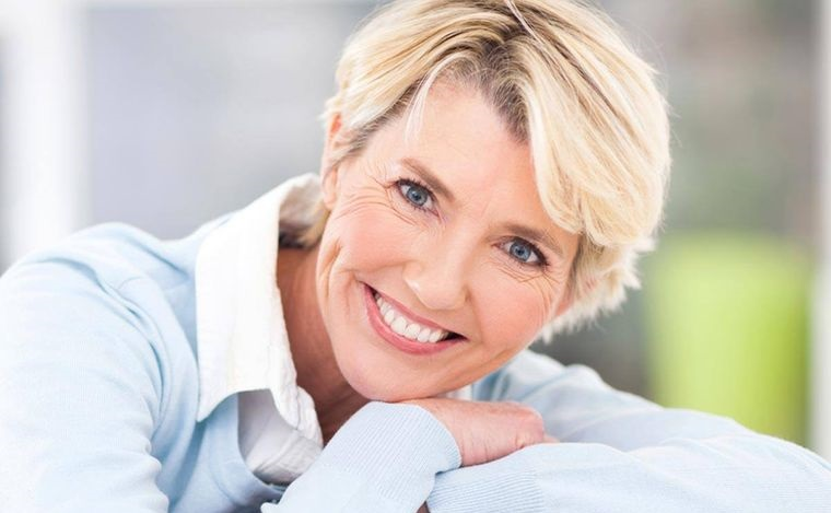 maquillaje natural diario para mujeres maduras